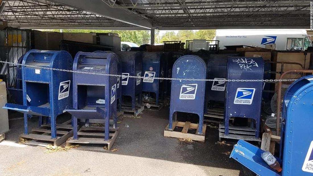 USPS akan berhenti memindahkan kotak pengumpulan surat di negara bagian Barat sampai setelah pemilihan, kata juru bicara