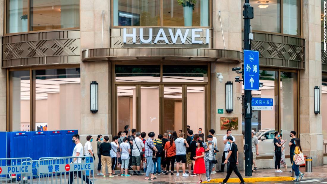 Huawei melakukan 'pukulan mematikan' dengan sanksi baru AS terhadap pasokan chip
