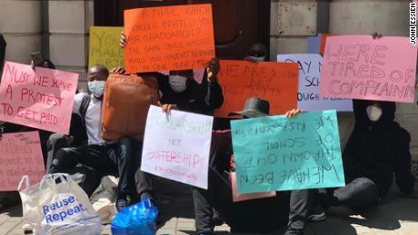 Protes di kantor Komisi Tinggi Nigeria di London.