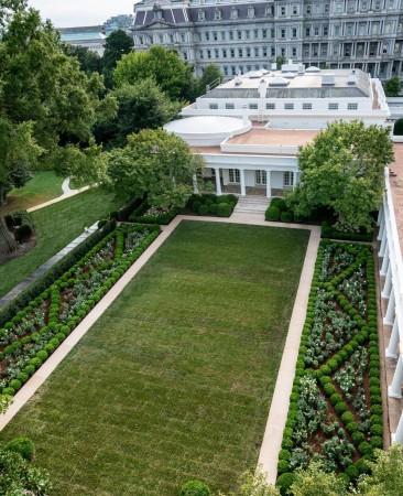 Taman Mawar, Gedung Putih