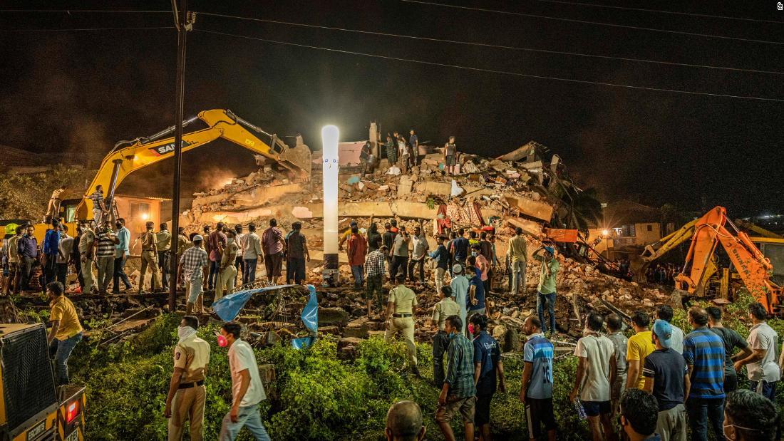 Bangunan runtuh di negara bagian Maharashtra India, puluhan orang dikhawatirkan terjebak