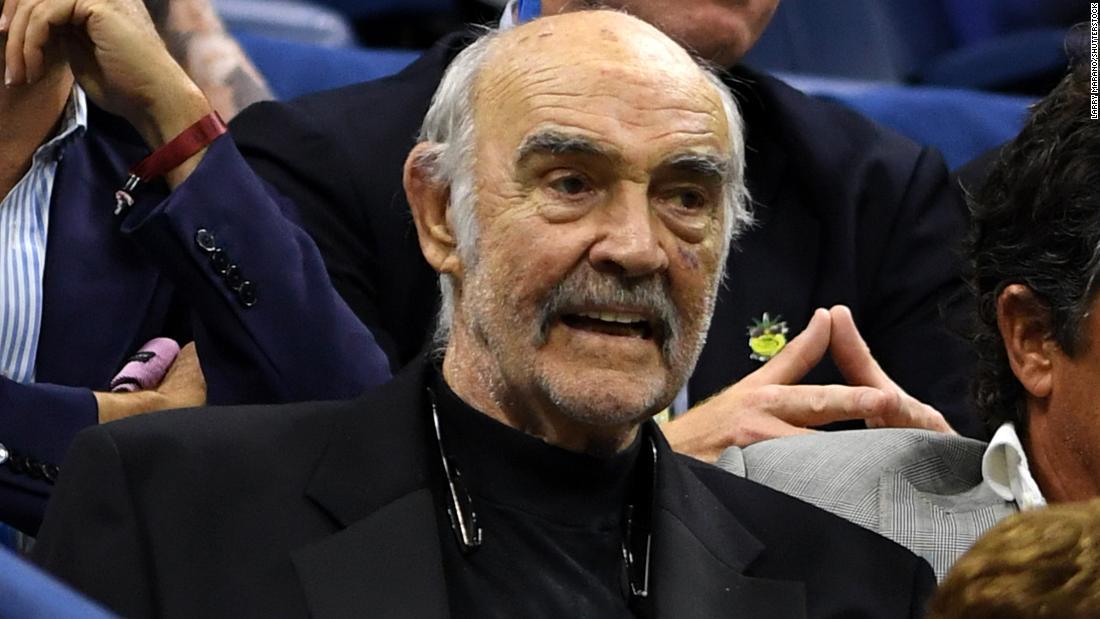 Sean Connery berusia 90 tahun. Ya, Anda membacanya dengan benar