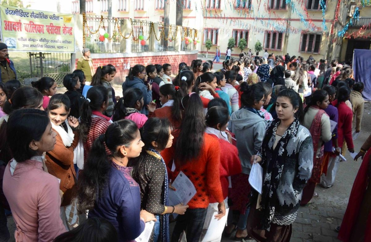 Over 150 academicians write to PM Modi in favour of conducting NEET, JEE exams