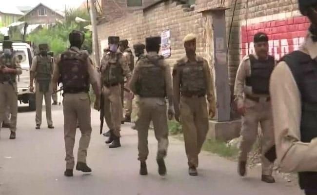 2 Polisi Tewas Saat Teroris Menembaki Tim Polisi Di Pinggiran Srinagar