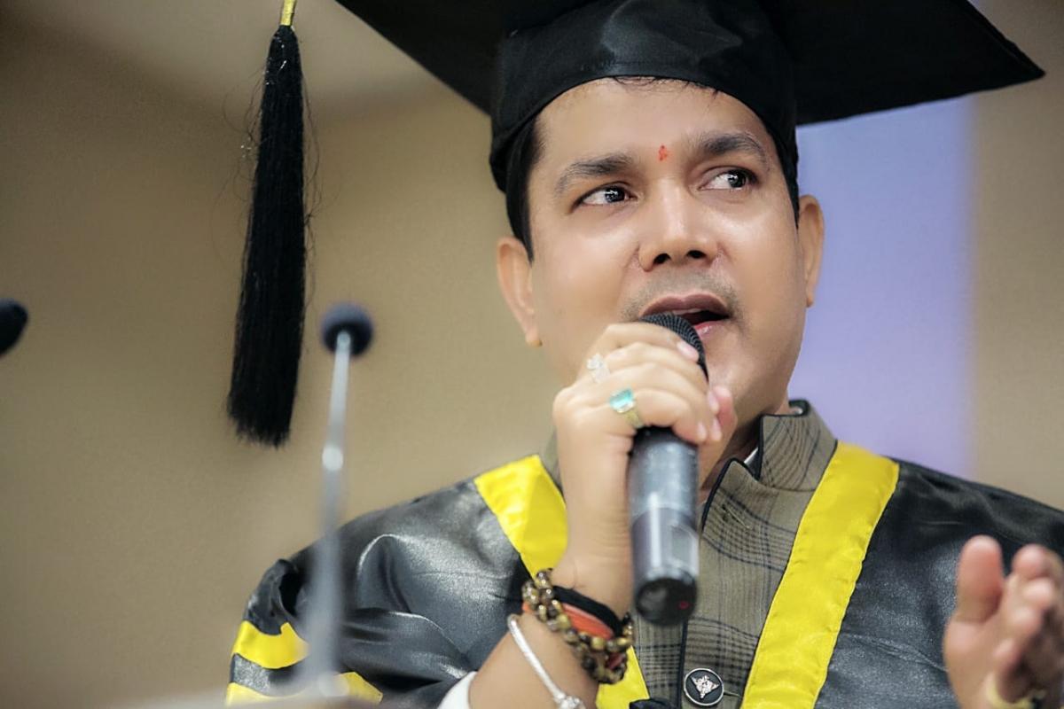 Dr. Acharya Vinod Kumar Ojha