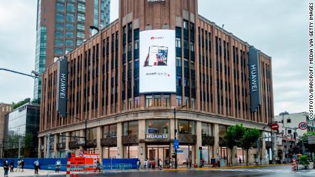 Kemerosotan Samsung menjadikan Huawei merek smartphone terbesar di dunia untuk pertama kalinya, kata laporan itu