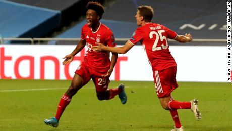 Kingsley Coman merayakan mencetak satu-satunya gol dalam pertandingan tersebut.