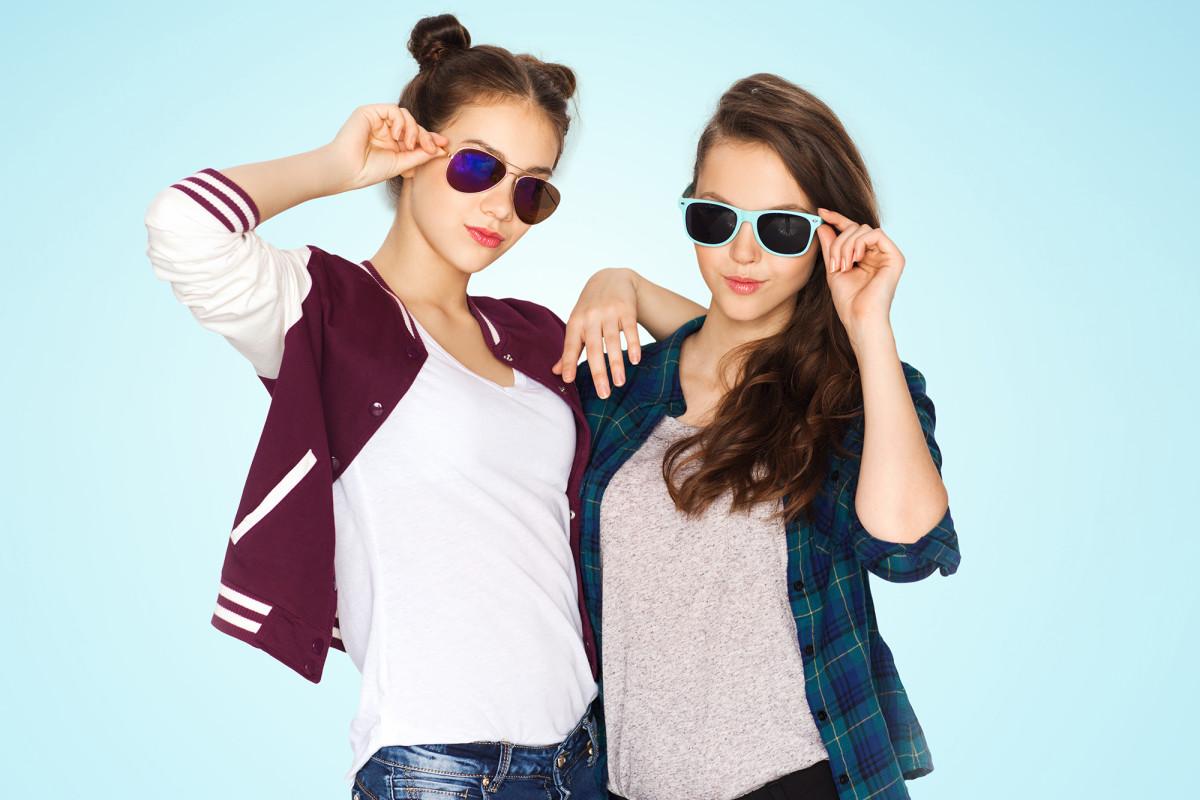 'How to Win Friends and Influence People' sekarang menargetkan gadis-gadis Gen Z.