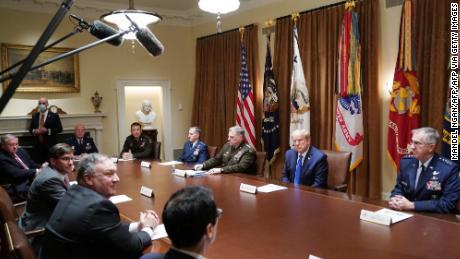 Keputusan Trump untuk memindahkan pasukan dari Jerman dibanting sebagai hadiah bagi Putin