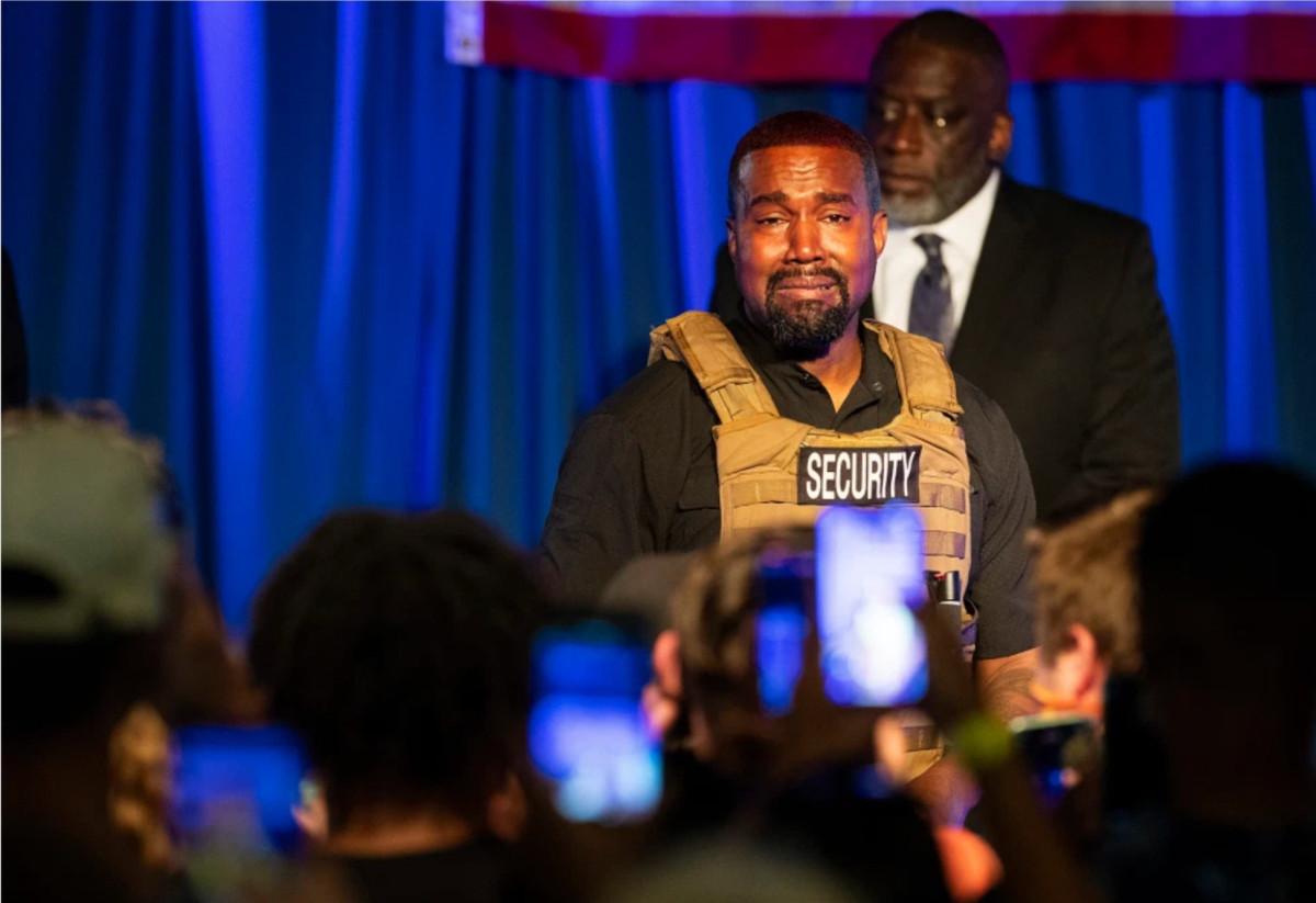 Kanye West membahas kondisi mental dan gangguan di panggung