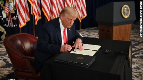 Trump mengira dia telah diberi kekuatan baru yang sangat besar. Sekarang dia akan menggunakannya