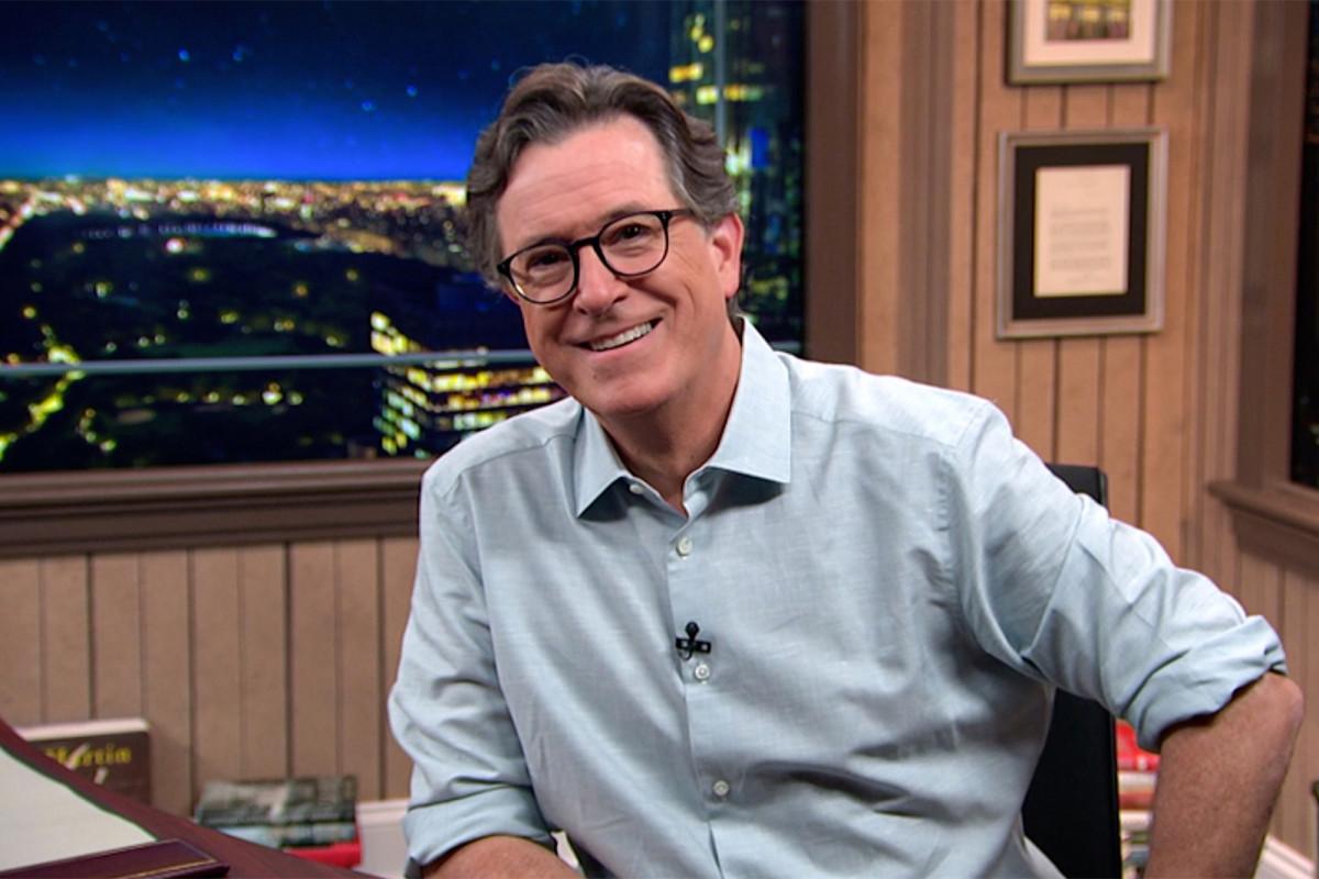 'Late Show with Stephen Colbert' ditayangkan langsung untuk DNC bersama Hillary Clinton, Bernie Sanders