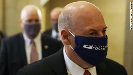 Postmaster General untuk bersaksi di depan Senat pada hari Jumat