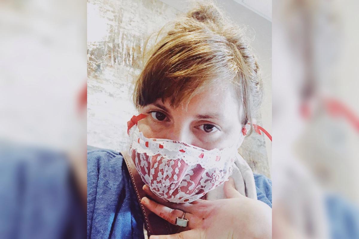 Lena Dunham mengungkapkan dia berjuang melawan virus corona