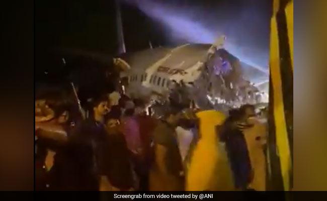 Pesawat Air India Express Calicut Meluncur dari Landasan Pacu Kozhikode, Lebih dari 30 Penumpang Dilarikan Ke Rumah Sakit