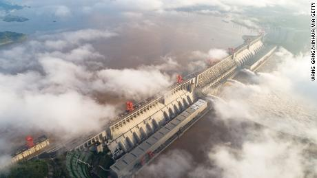 Bendungan Tiga Ngarai China adalah salah satu yang terbesar yang pernah dibuat. Apakah itu layak?